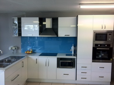 Image of kitchen with 2 pac doors.